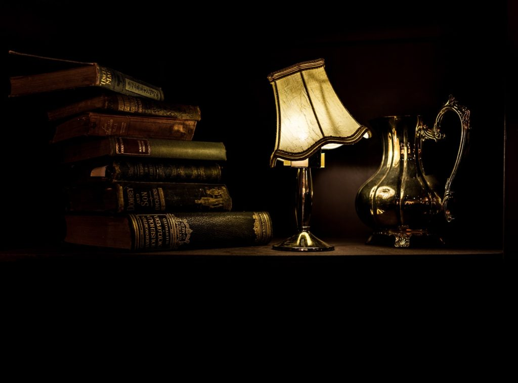 How to clean and restore antique lamps
